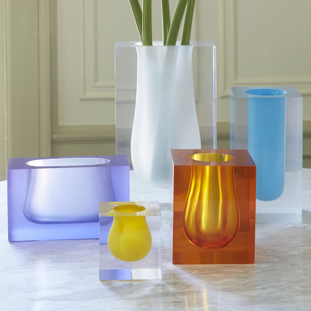 China Supplier High Transparent Acrylic Vase Home Decor