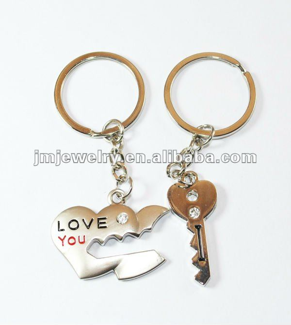 Couples key and heart keychain for promotion,gift keychain