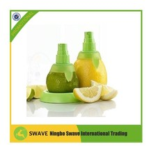 plastic lemon sprayer / citrus spray / lemon squeezer