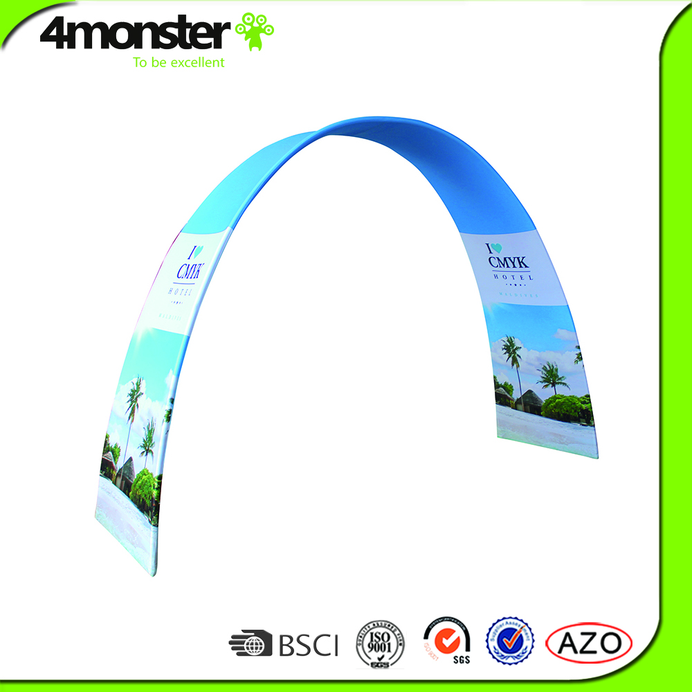 Fashionable design arched and curved fabric display rack style gate for events