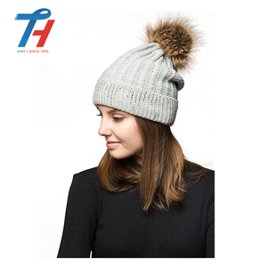 25 Years Experience Wholesale Hot Sell Customized Blank Winter Knit Acrylic Hat Wool Beanie