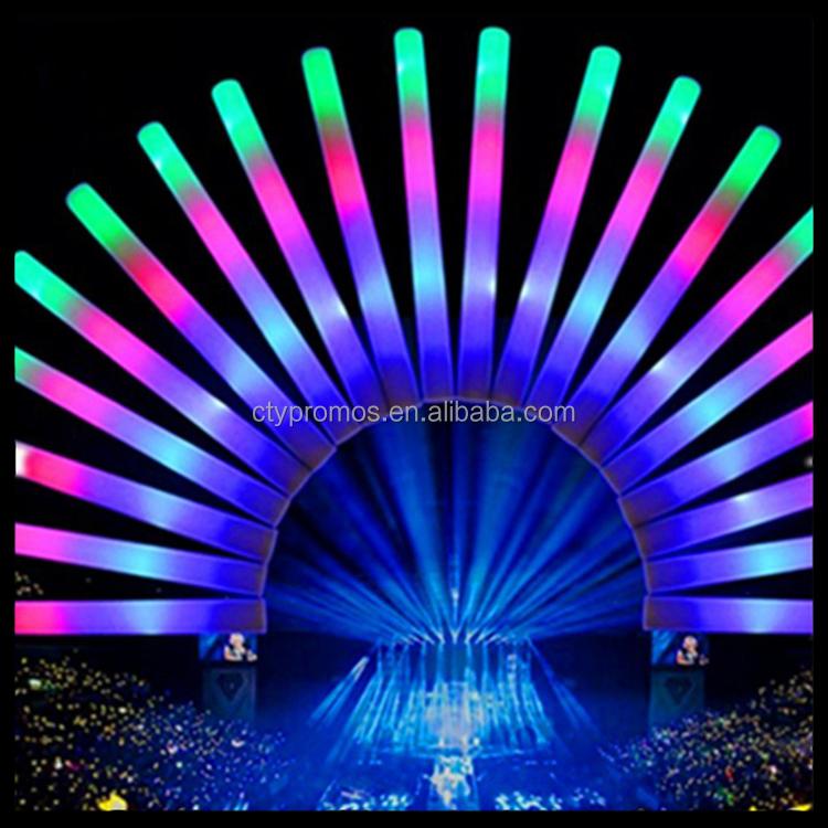 プロモーションledグローフォームスティック、パーティーの結婚式やコンサートのためのライトアップフォームバトン