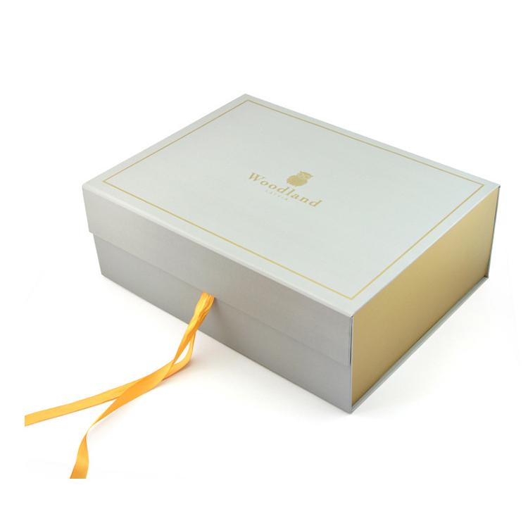 Luxury Custom Matt Paper Cardboard Pink Magnetic Packaging Boxes Magnet Gift Box