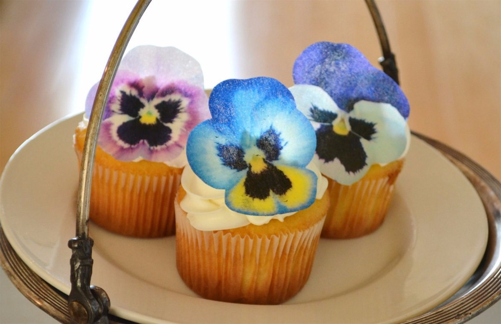 24 Pansy Flower Edible Cake Topper Wafer Rice Paper Cake Decoration