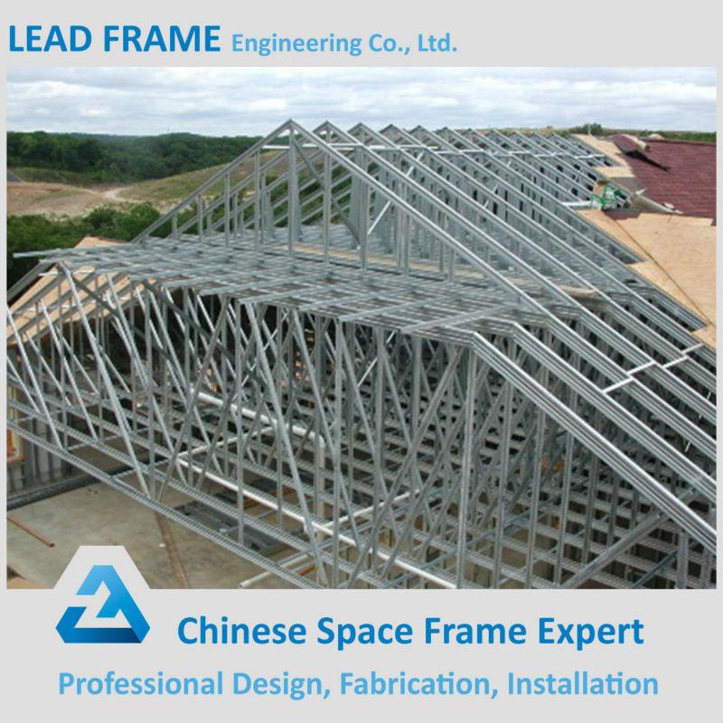 Diversi tipi di tetto a capriate in acciaio per la for Tipi di tetto