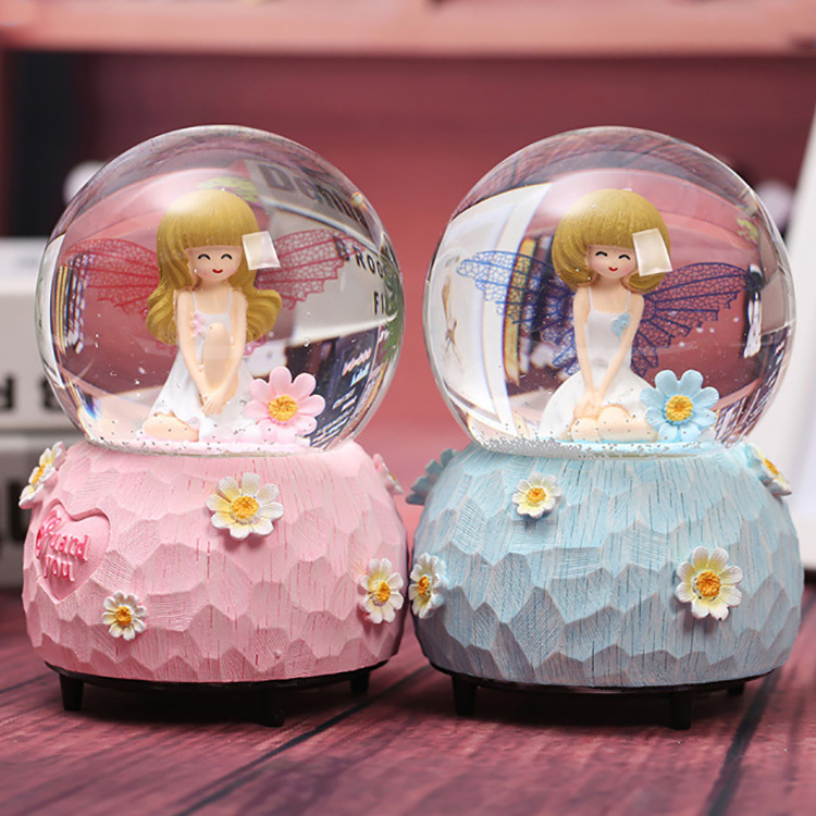 China Factory Souvenirs Harz Angel Snow Globe