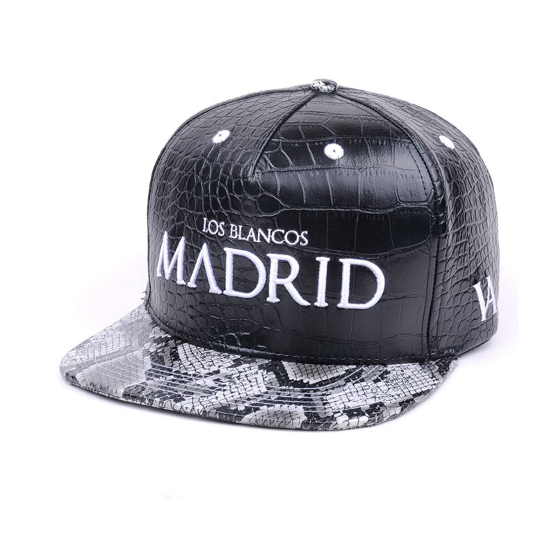 Black leather snapback/strapback hat