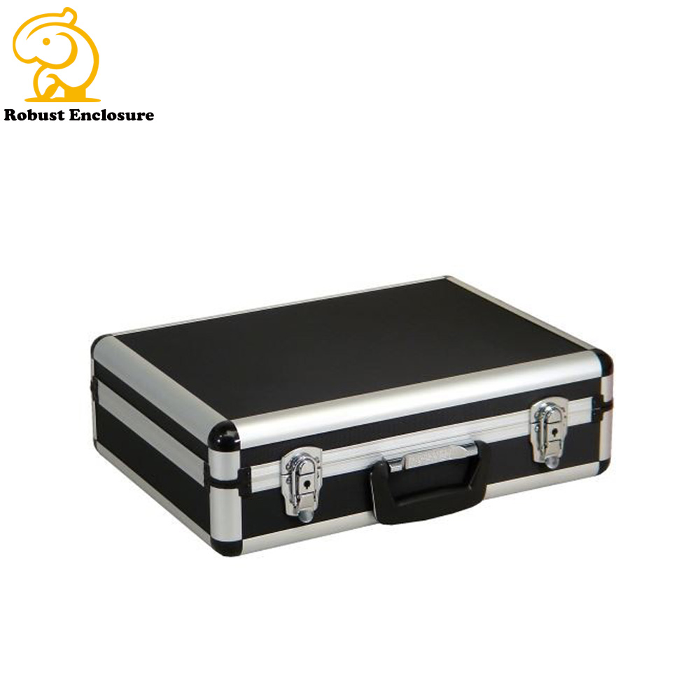 Aluminum Trolley Case / Traveling Case / Suitcase with Custom Size