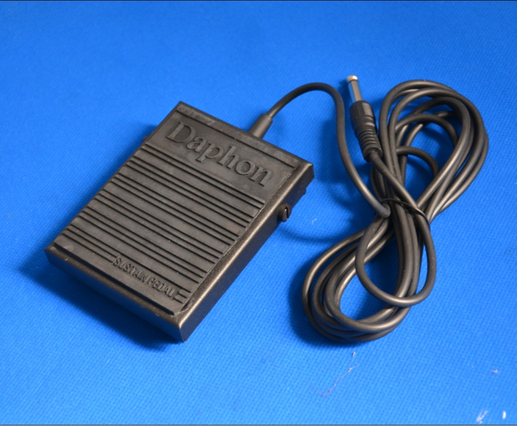 Daphon Keyboard Sustain Pedal for keyboard with Metal Enclosure