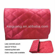 2014 popular fashion quilted satin lady cosmetic pouch with magnetic snap