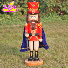2016 Brand new fashion decorations wooden Christmas nutcrackers W02A250