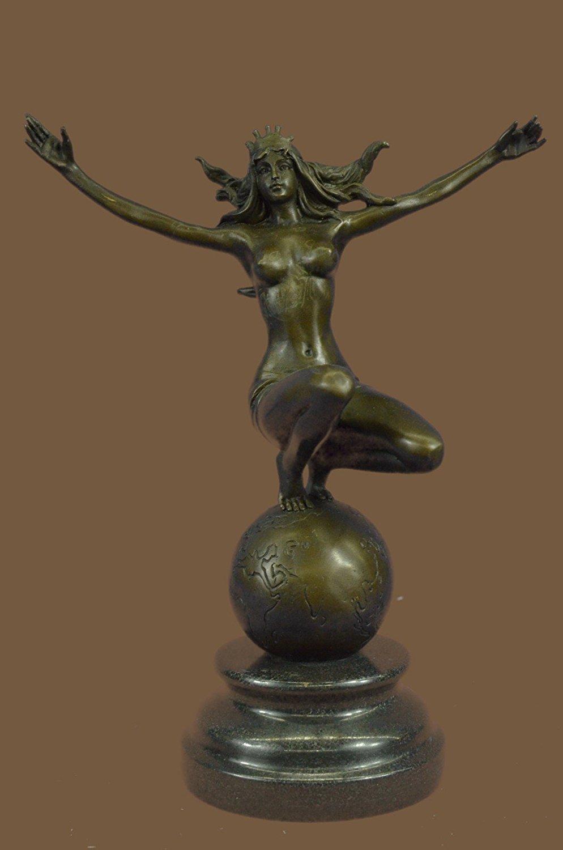 Italian women nude amazon figurines clip double