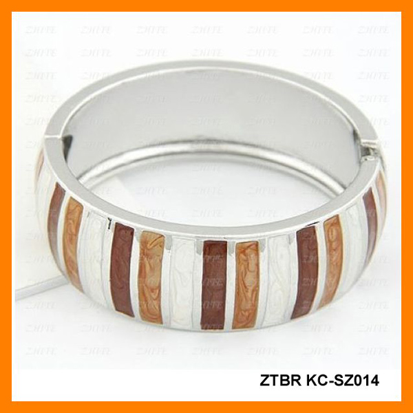 Lacquered stripe bangle