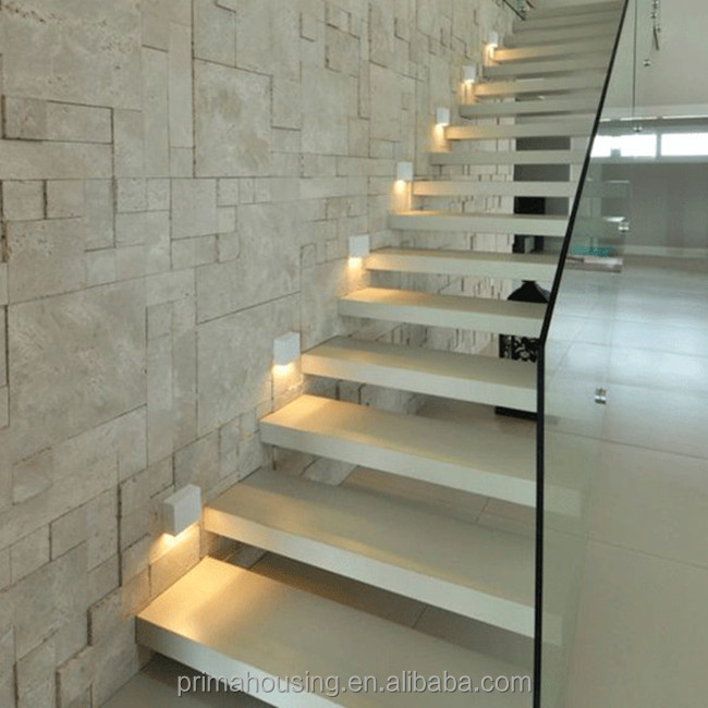 Houten stappen glas reling indoor LED verlichting trappen