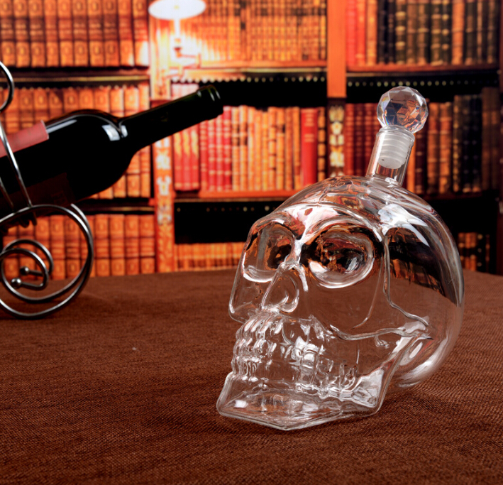 glass skull <strong>wine</strong> / liquor bottle