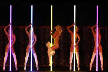 Spectrum Light Pole
