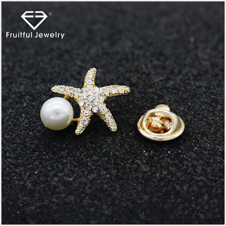 Collar Brooch Shirt Collar Suit Pins 2017 New Arrival Exquisite Inlaid Crystal Starfish Scarf Pearl Brooch