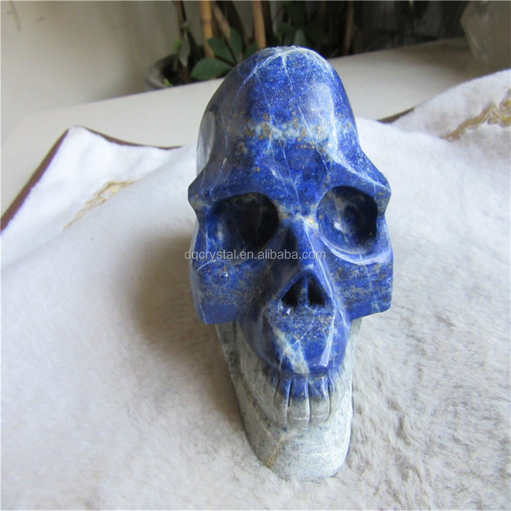Natural carved lapis lazuli stone skull for gift