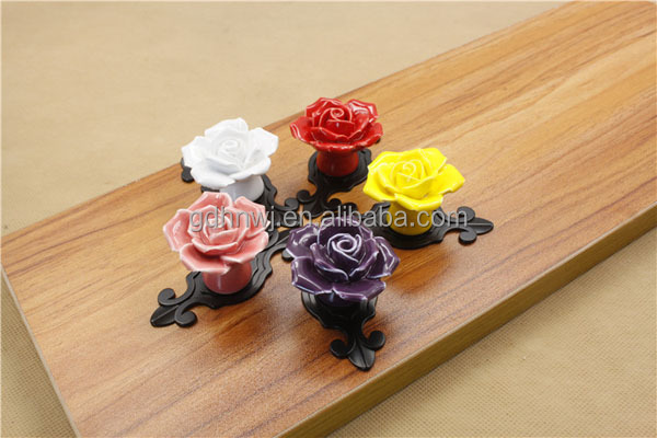 2017 New products graceful ceramic rose dresser knobs