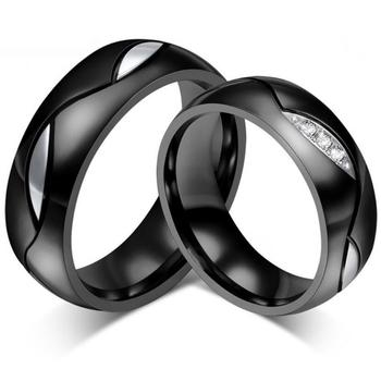b52d0693c026 Moda negro anillos de boda para hombres Las Mujeres CZ anillo 316L de acero  inoxidable
