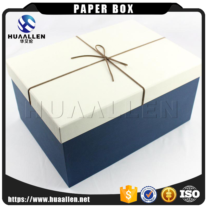 Custom Printed big white Christmas gift paper packaging Large box for clothes