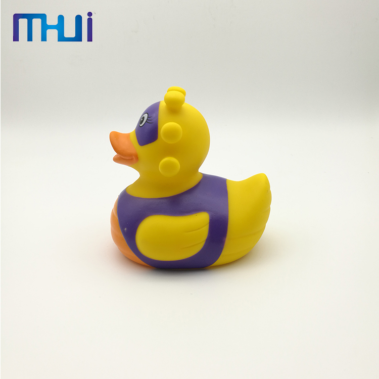 Factory supply unique rubber floating yellow small duck bath toy with high quality