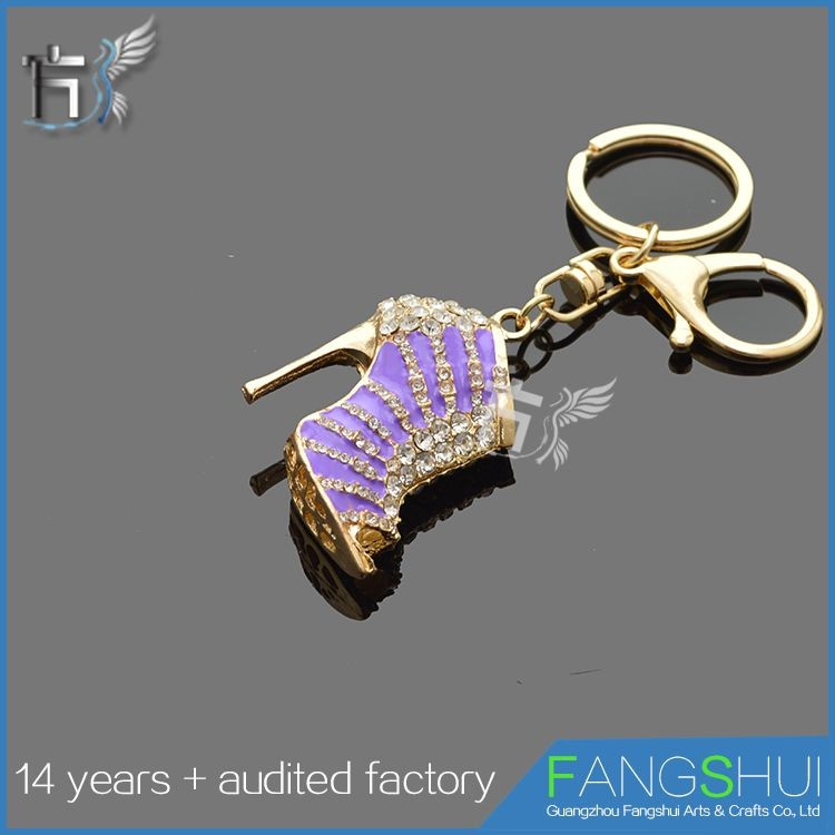 Low price wholesale metal high heel shoe keychains