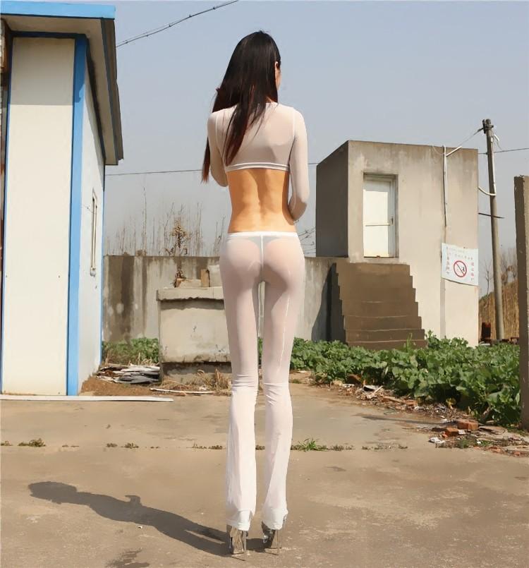 Эротические фотографии девушек черно белые для салона потом