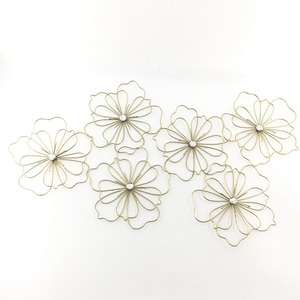 Champagne 6 Flowers Wire Decorative Metal Wall Art