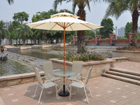 Foshan garden supplier family lawn table and chair furniture patio sling table set with umbrella