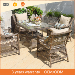 Hotel Furniture Dining Natural color PE Rattan Square with Pempered Glass Top Table wirh 4 chair