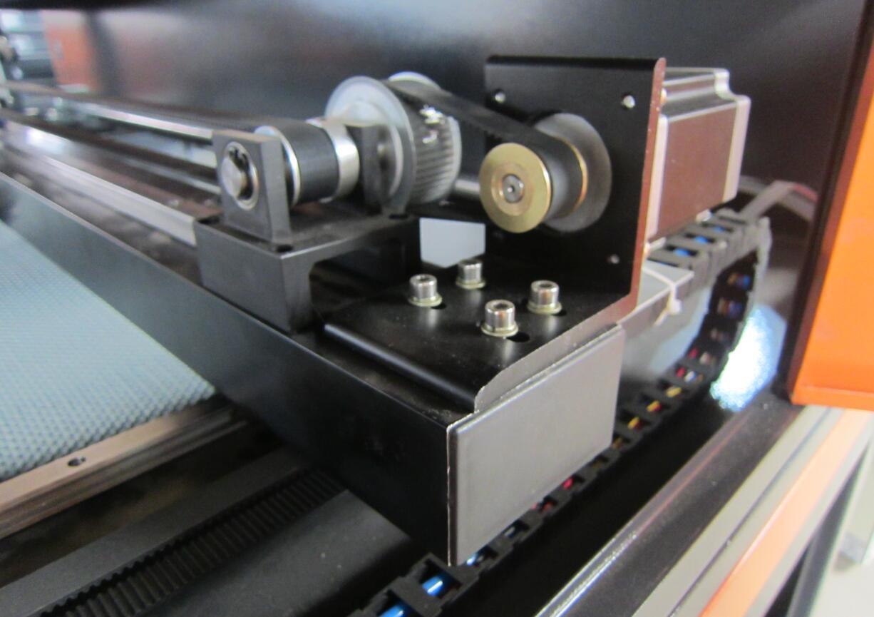 1390 tekstil kumaş etiket lazer kesici ccd