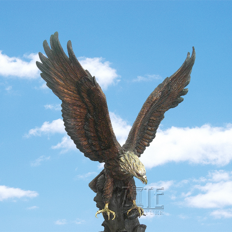 Hot Sale Custom Garman Bronze Flying Eagle Spreading Wings Sculpture