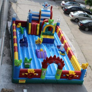 New style cheap giant inflatable playgrounds