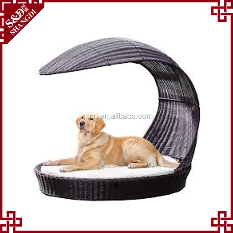 New design pet products lovely sofa shaped large dog beds pet rattan sleeping beds for dog