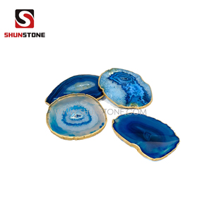 Natural Agate Slices Coasters Dyed Agate Stone Slab Polished Irregular Healing Crystal Decoration Table Coaster with Golden Rim