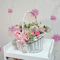 2013 exquisite wicker natural color flower basket with fabric