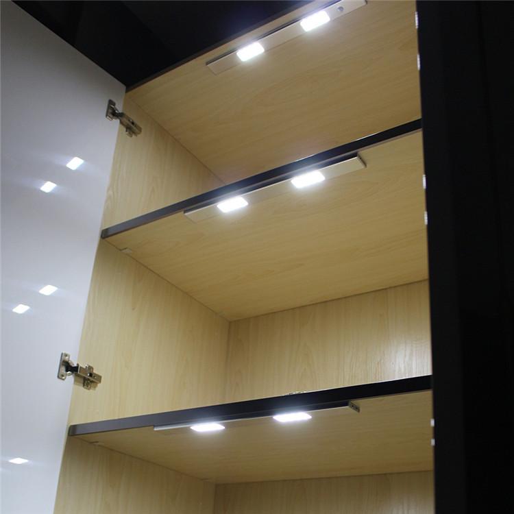 24 led motion sensor de luz sob a ilumina o do arm rio do for Luces led a pilas para armarios