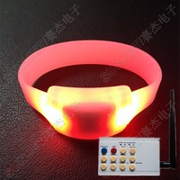 remote controlled fitness sport event flashing pink led custom silicone bracelet