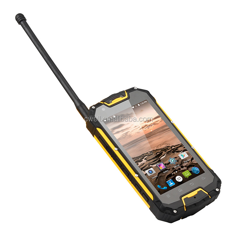 2019 4.5 Inch IP68 Waterproof 2GB RAM/16GB ROM UHF Walkie Talkie Mobile Phone With NFC