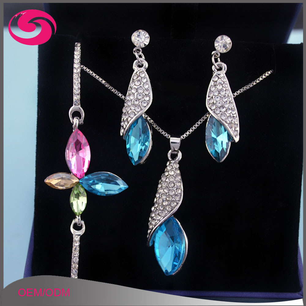 Hot Sale Horse Eye Quartz Crystal Diamond Wedding Jewelry Set for Women