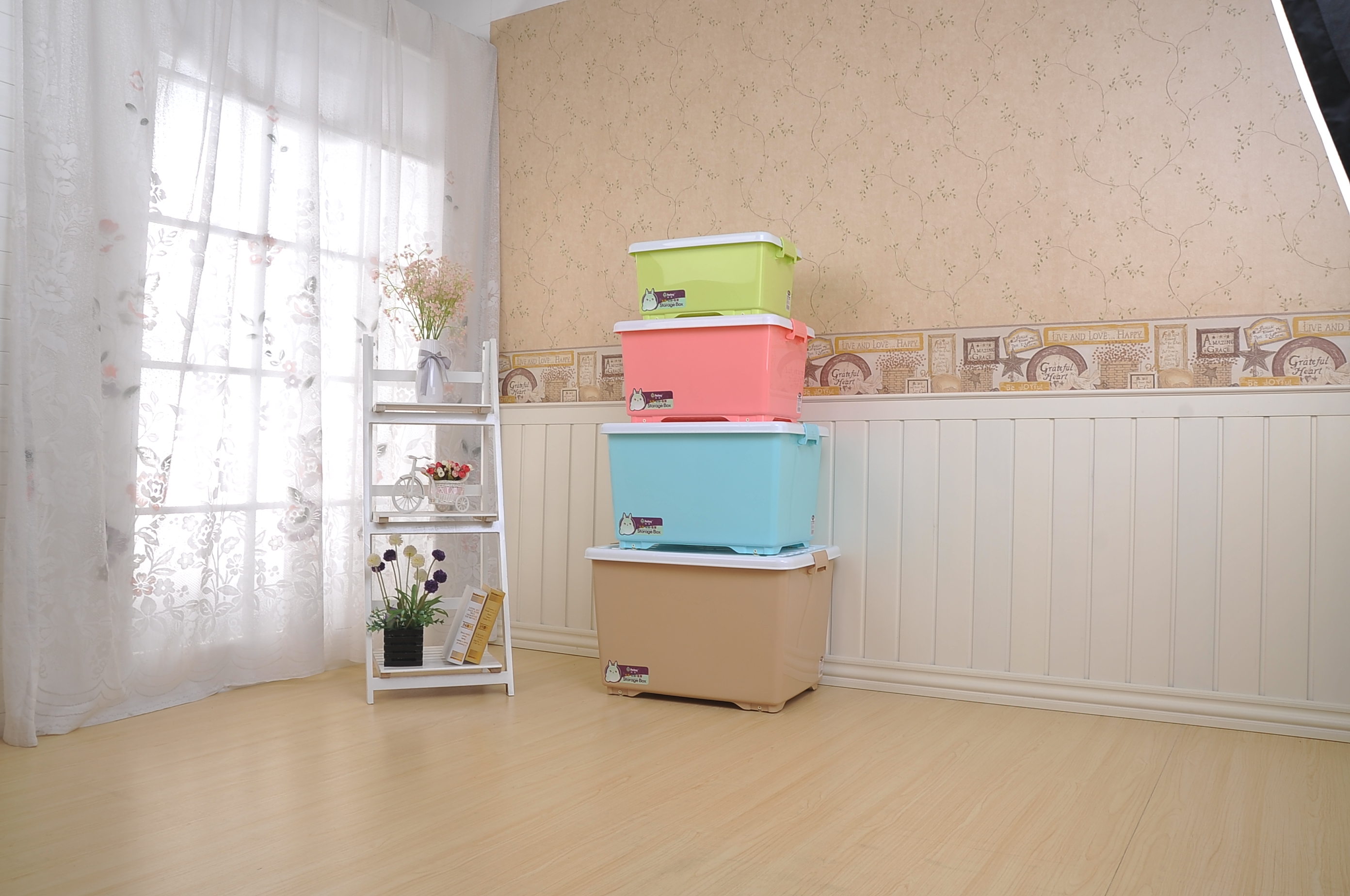 Wheels Plastic Portable Function Storage Container Box For Collection Cloth & Toys Plastic Storage Box