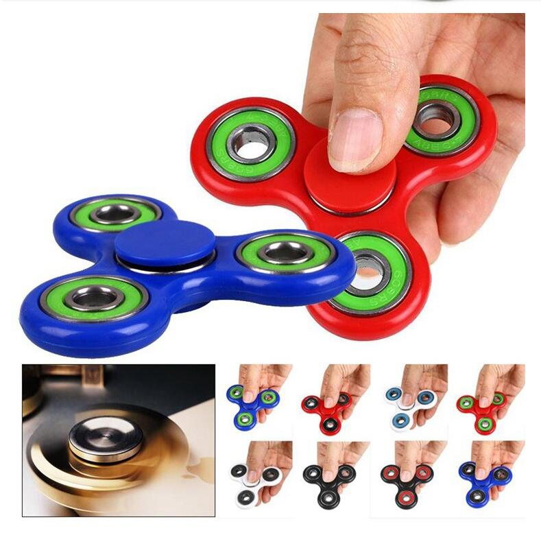 Latest modeling Tri Fidget Hand Spinner Triangle Torqbar Metal Wind Puzzle Finger Toy EDC Focus Fidget Spinner