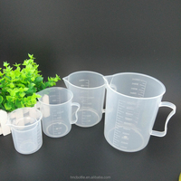 Thicker plastic measuring cup with beaker double - scale food - grade plastic with a measuring cup
