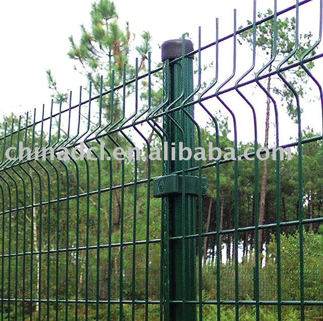 Highway protection fence