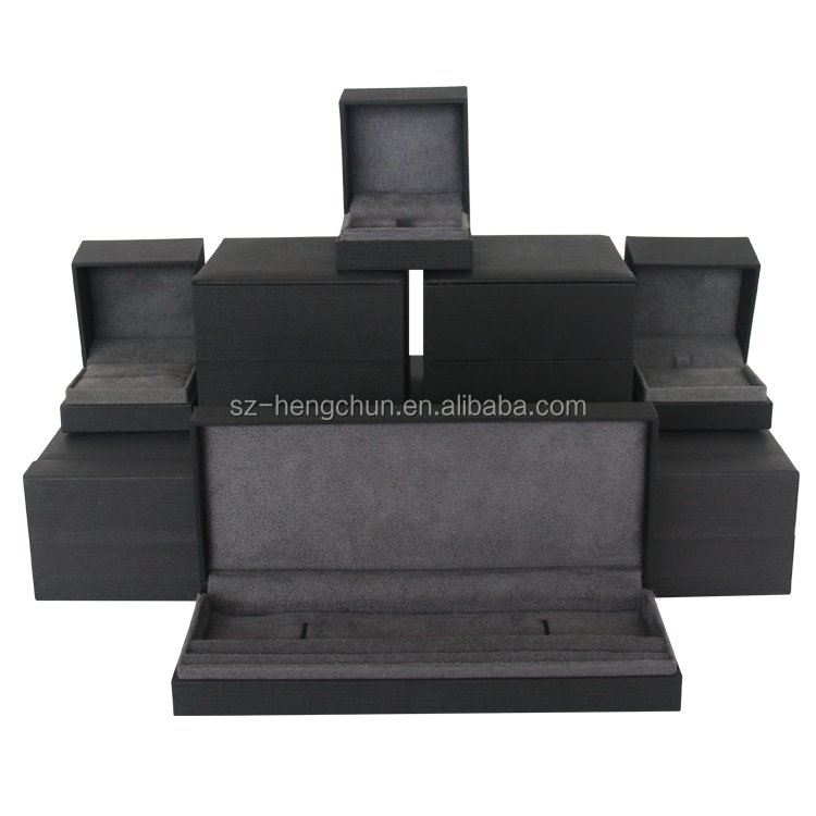 Black matte jewelry box set with velvet insert supplier