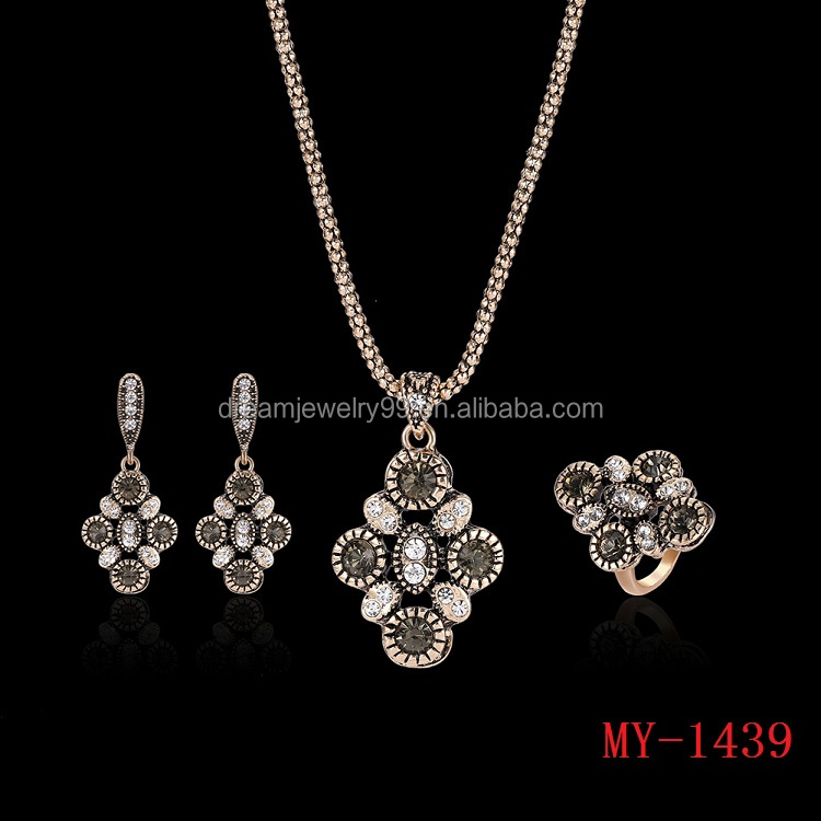 2017 new charm Turkey style jewelry three sets of high-grade alloy necklace earrings rings set