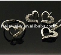 heart jewelry set with shine silver CZ plated