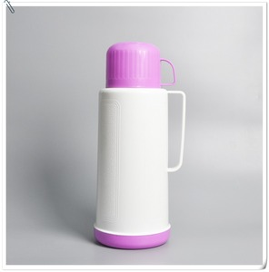 New fashion 1.8L plastic thermos bottle / vacuum flask with handle for sale