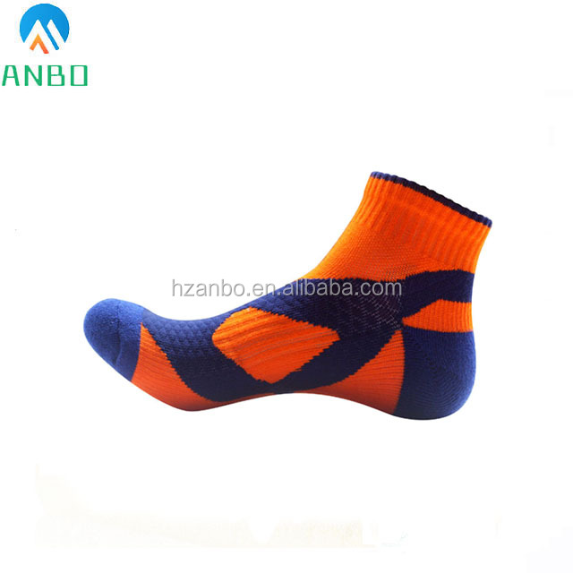 Custom Made Cotton Ankle Basketball Sport Socks Breathable Arch Support Cotton Men's Cycling Socks From China